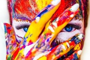 Görmeyen Birine Renkleri Anlatmak