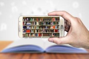 Kitap Kurdu ve Kitaplığı